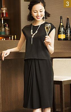 Vネックにはショートでもボリューム感あるネックレスを。淡水パールの控えめで上品な輝きは、ブラックドレスと好相性。 クルーネックには透明感がブラックドレスに