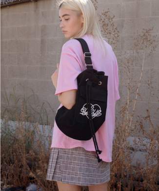 EYEYE HEART LOGO DRAWCORD BAG